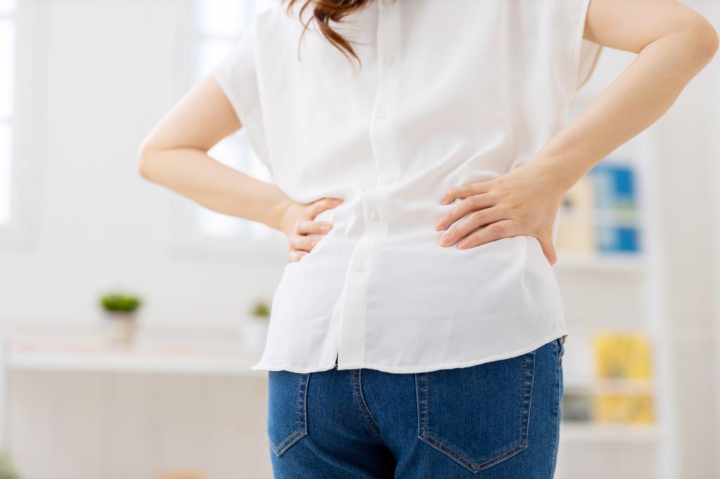 なぜ?生理前にぎっくり腰のような痛み!対処法は?病院行くべき?