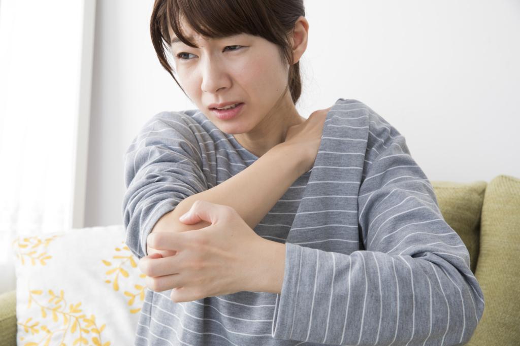 発疹なしの全身のかゆみ|皮膚掻痒症・ストレス・肝臓疾患が原因かも