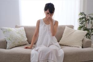 目のかすみ、視力の低下、飛蚊症…。「眼底出血の初期症状」が出たらどうする?