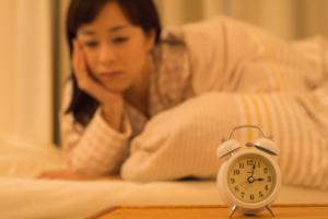 眠れない、吐き気も…。ストレスが原因?自律神経失調症かも