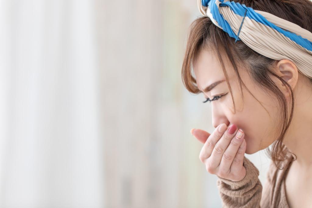 【胃が張る&吐き気】胃の違和感と気持ち悪さの正体は…ストレス?病気?