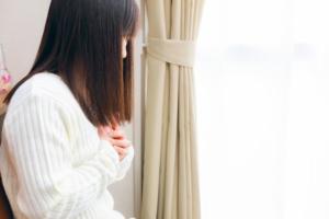 心臓がモヤモヤ…この違和感大丈夫?ストレス?病気?対処法と病院に行く目安