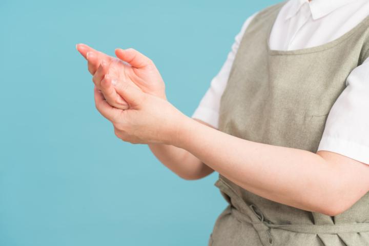 手のひら ぶつぶつ 透明