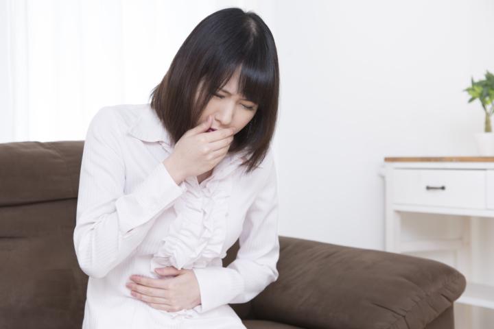 成人の嘔吐胆汁