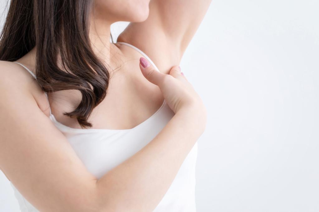 脇の下 の しこり 痛い 脇に押すと痛いしこりがある!絶対に注意したい病気と症状は?