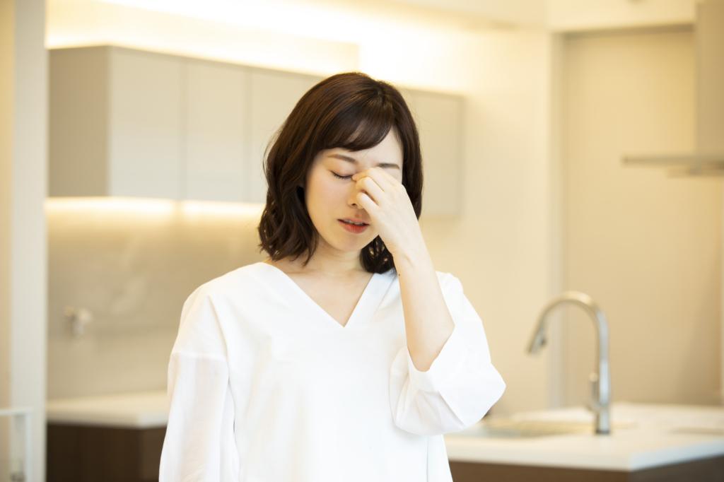 なぜ?飛蚊症が増えた…急な悪化は病気が原因?検査は?医師監修