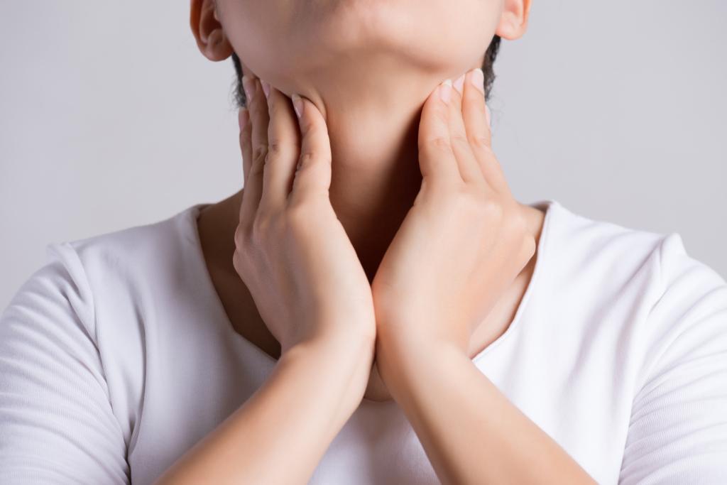 咽頭クラミジアの症状をチェック!病院は何科?検査方法と治療法は?