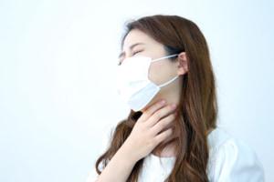 喉の奥がかゆい!咳や痰も出る原因は何?市販薬は使える?対処法は?
