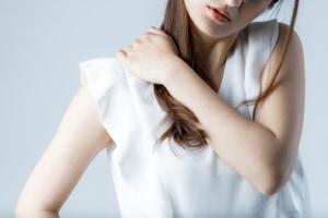 筋肉のぴくつきは自律神経失調症サイン?病院を受診すべき?
