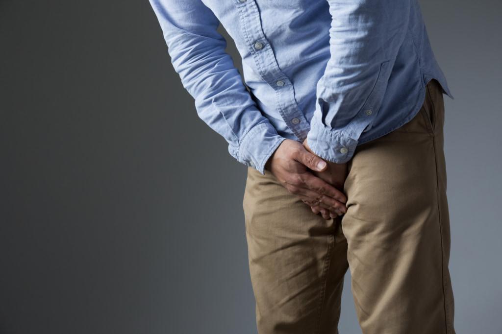 睾丸が腫れた!しこり、片方だけ大きい原因は?…痛い時は要注意!