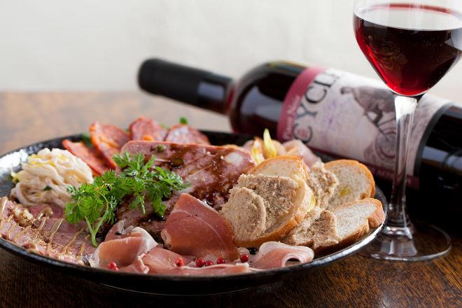 燻製×肉 イタリア酒場ORA