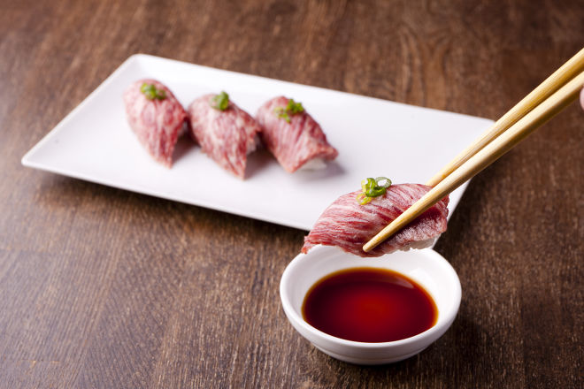 沖縄料理とワイン ワイモリカ
