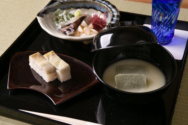 茶懐石鮨_10