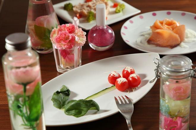 感動のテーブルアートのお店 カフェ&チーズバル dolloom