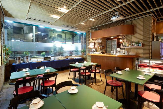 Cafe&Bar Colt_1