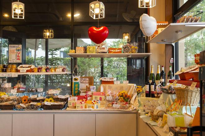 Patisserie&Restaurant Amour_6